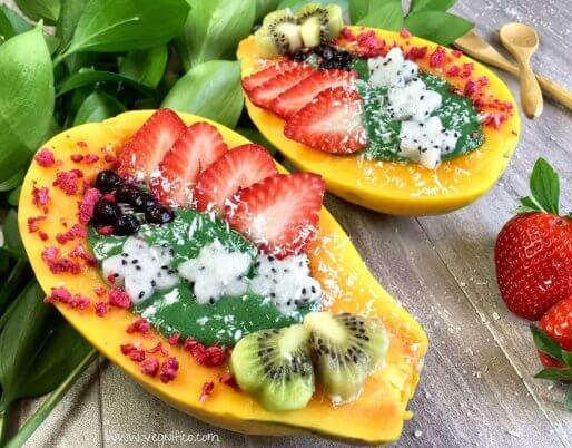 green smoothie papaya bowl