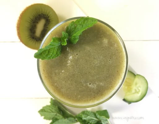 kiwi cucumber pear mint smoothie